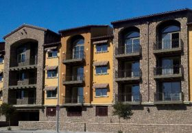 apartement-building-tuscan-villa-stone-paire-moss