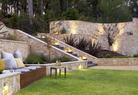 extreme-garden-walls-tradgard